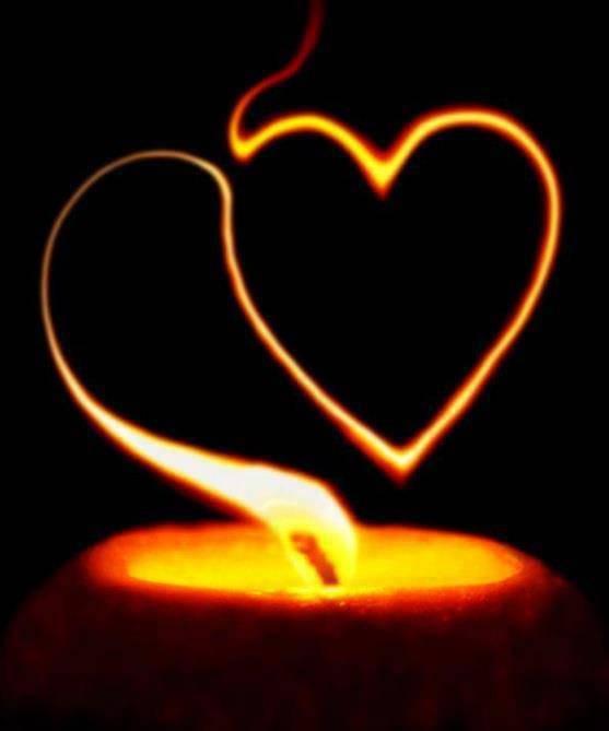la signification de la flamme des bougies centerblog. Black Bedroom Furniture Sets. Home Design Ideas